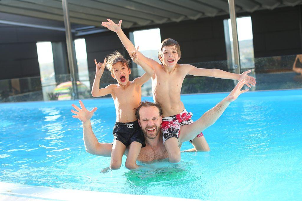 swimming pool 765312